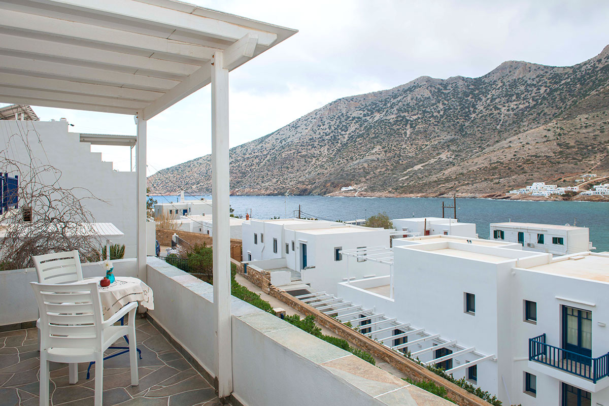 Rooms in Sifnos with sea views