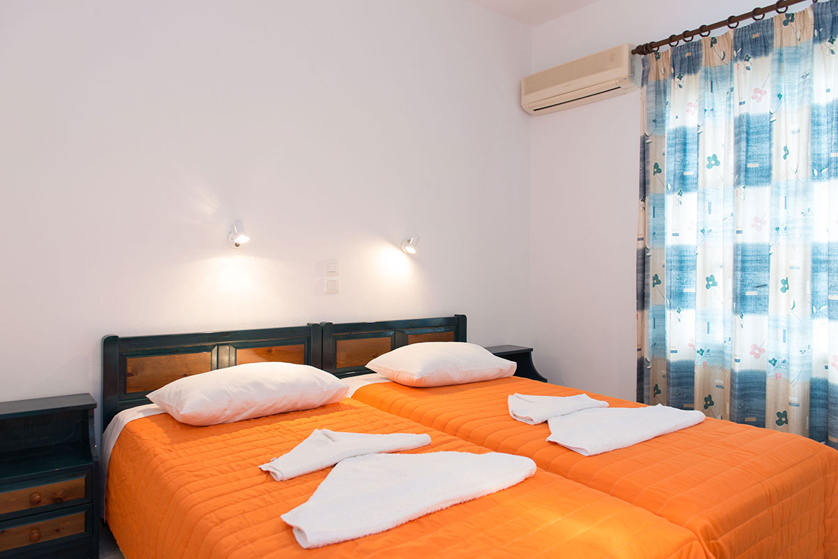 Double rooms at Kamares of Sifnos